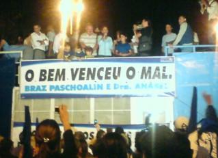 Jandira comemora a vitória de Braz